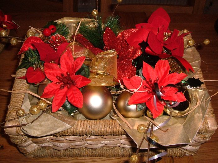 Basket of table or hanging decorations