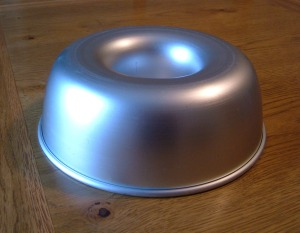 Circle tin with hole in centre