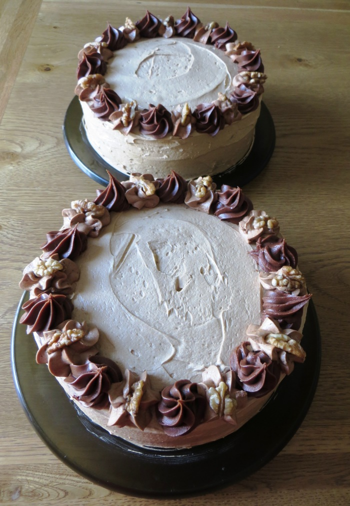 Coffee & Walnut Cakes