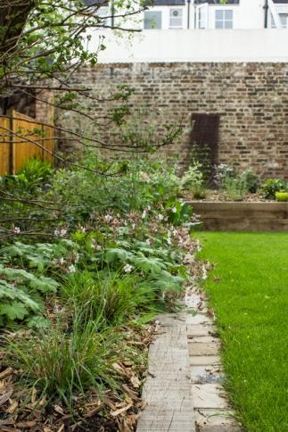 15-6-1 London Garden LR-1751