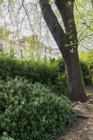 The central section of Deptford Memorial Gardens